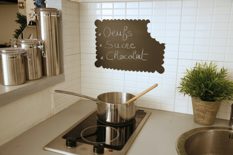 Tableau ardoise memo frigo aoc accessoires cuisine avec for Ardoise noire cuisine